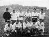 Louise Marie: groepsportret voetbalploeg S. K. Louise-Marie 1950