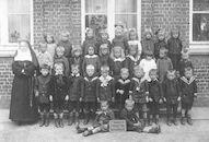 Louise Marie: bewaarschool circa 1920