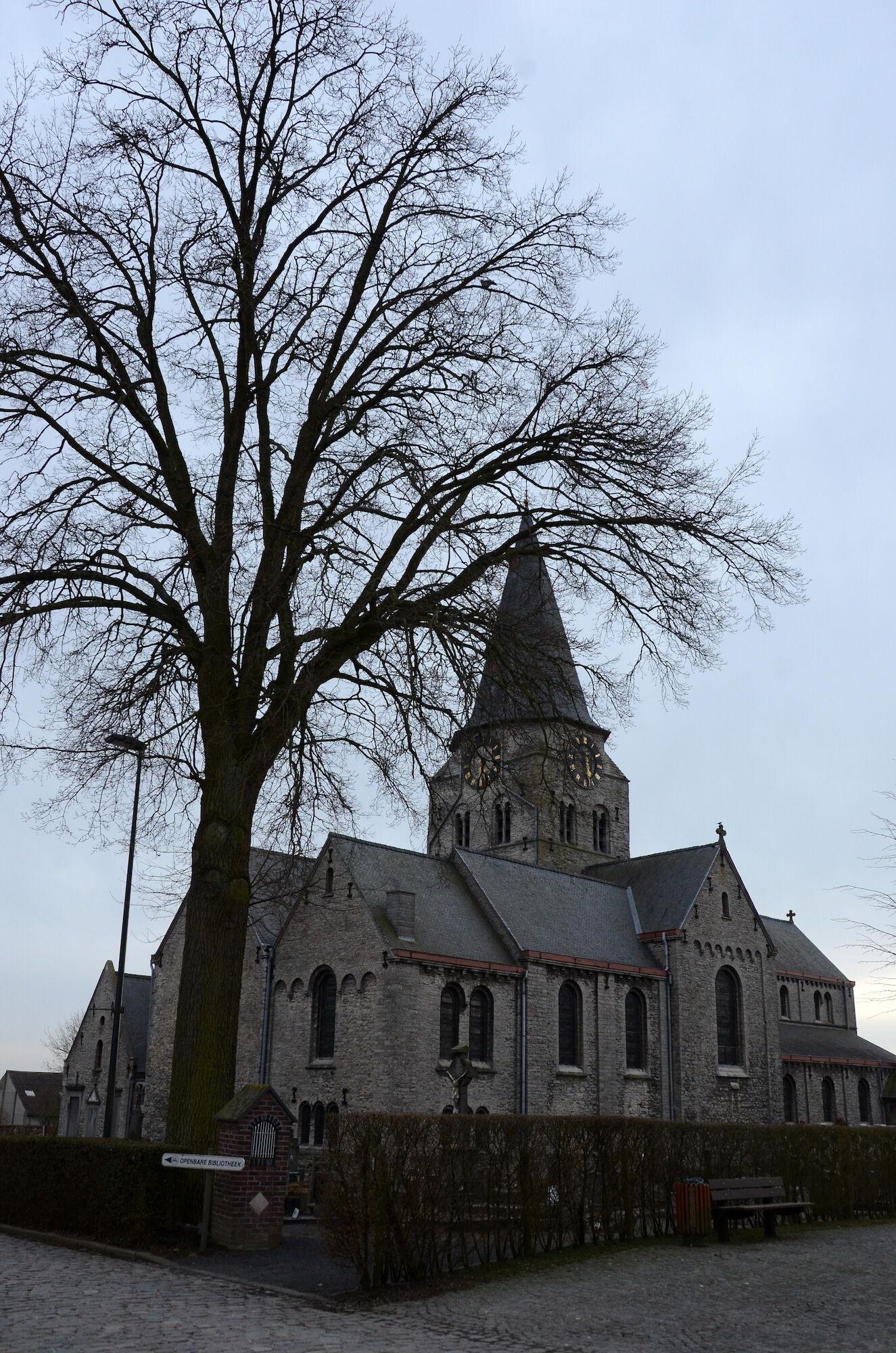 Sint Petrus en Urbanuskerk Huise