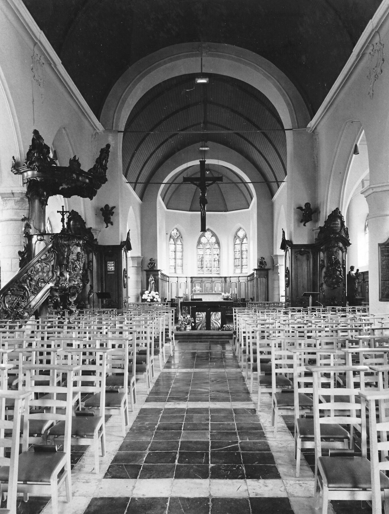 Binnenzijde kerk Deftinge