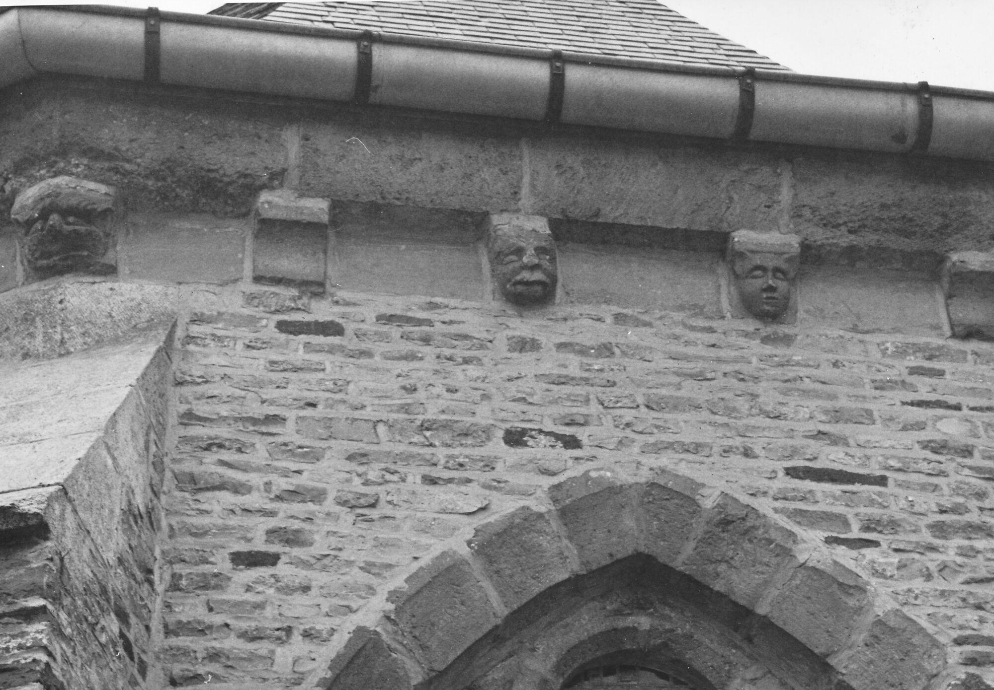 Buitenzijde kerk Deftinge