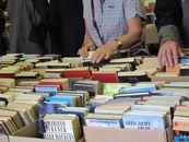 boekenverkoop 3 06 2012_06.jpg
