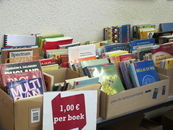 boekenverkoop 3 06 2012_10.jpg