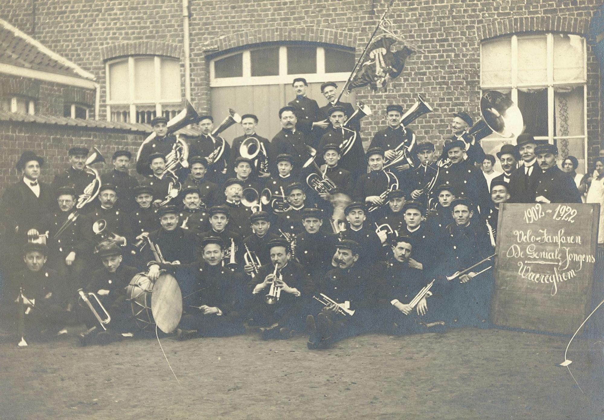 Muziekverenigingen te Waregem.
