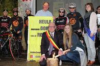 Fakkeloverdracht Dorp van de Ronde 2015